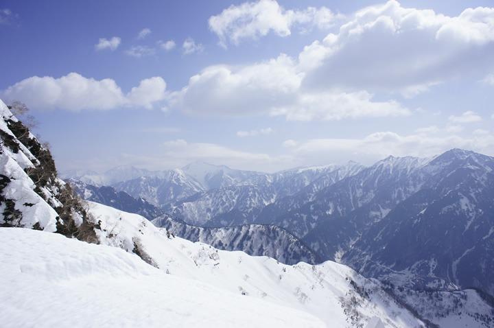立山・室堂平における登山ツアーの魅力