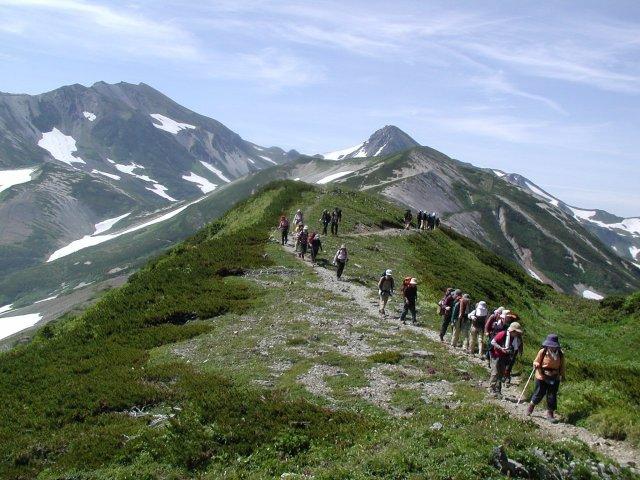 登山ツアーのアルプスエンタープ...